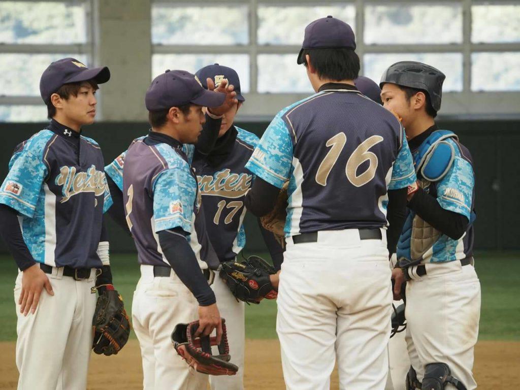 ソフトボールチーム横浜Vertex試合の様子