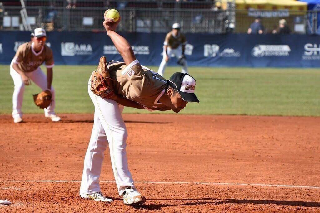 【ソフトボール】 ピッチャーの投球規定(ルール)を解説