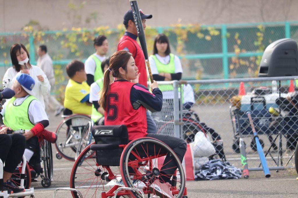 車椅子ソフトボールとは?わかりやすく解説_バッティング