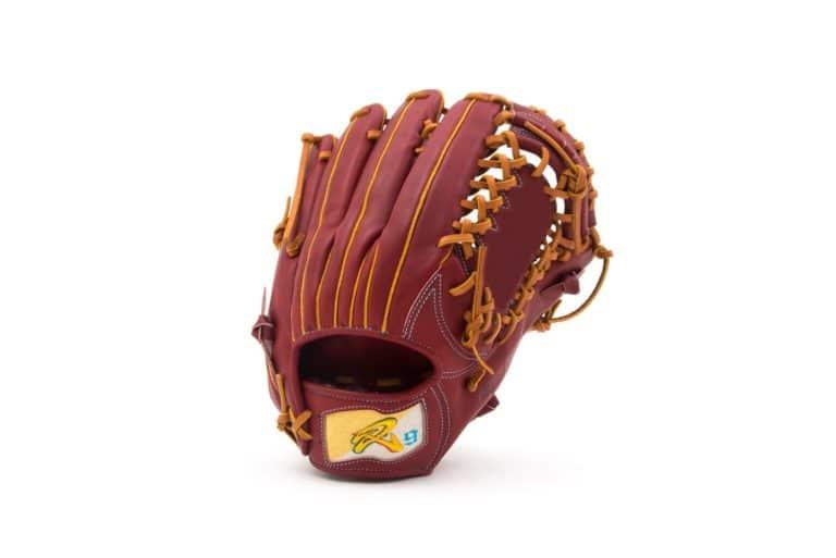 【ソフトボール】外野手用 グローブの素材やサイズ、選び方を紹介